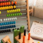 """""""Matematyka w metodzie Montessori""""-wykorzystanie pomocy Montessori w edukacji wczesnoszkolnej-webinar"""
