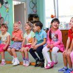 """""""Jak i co mówić, żeby dzieci w przedszkolu nas słuchały? (Zachęcanie do współpracy w 10 krokach czyli Pozytywna Dyscyplina w działaniu)"""""""